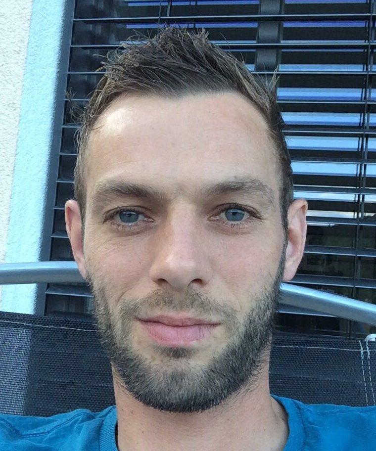 <p>Sebastian Gumpert<br>Am Galgenberg 5<br>85135 Titting<br>3.Beisitzer@Djk-Titting.de</p>