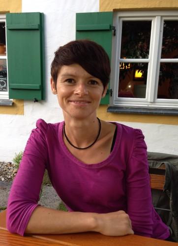 <p><b><u>Übungsleiterin</u></b><br>Kathrin Brigl<br>08423/??????<br>ElKiTu@Djk-Titting.de</p>