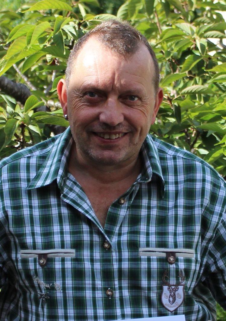 <p>Herbert Hölzel<br>Am Lechfeld 16<br>85135 Titting<br>08423/2899959<br>Kassenwart@Djk-Titting.de</p>